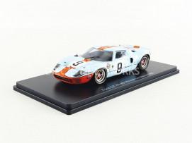 FORD GT 40 - WINNER LE MANS 1968